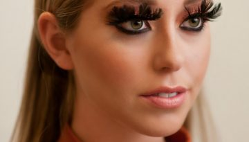 Closeup Feather Lashes2